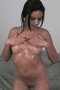 Kelly Covered In Babyoil - Picture 6